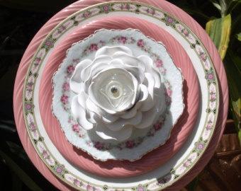 Стеклянные цветы в саду