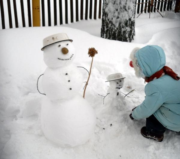 Аленка и снеговики
