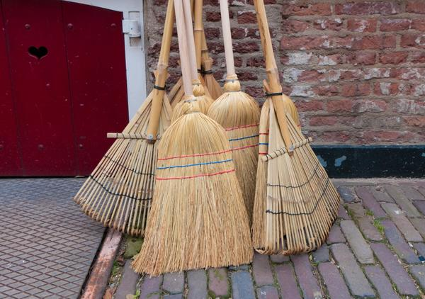 Пора навести чистоту на даче