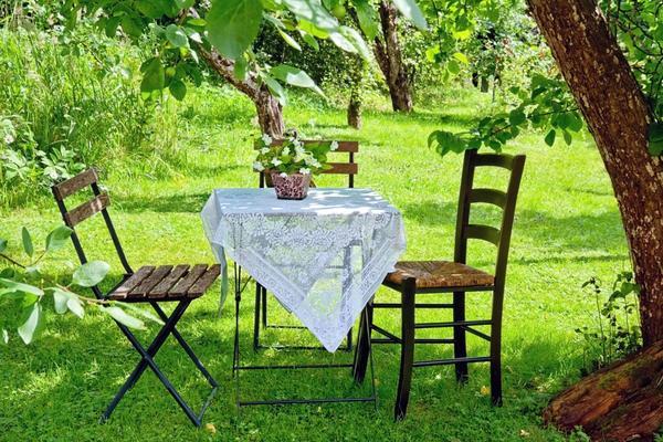 Выбрать садовую мебель очень непросто