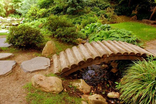 Лаконичный мостик без перил