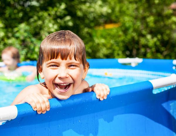 Бассейн на даче - радость для детей и взрослых