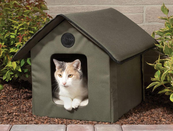 Мягкий складной домик для кошки, фото с сайта thegreenhead.com
