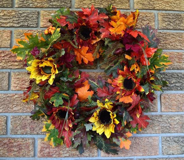 Осенний венок - стильное и яркое украшение