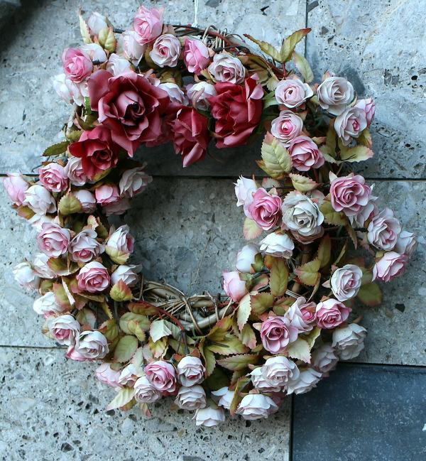 Венок из роз - романтическая классика