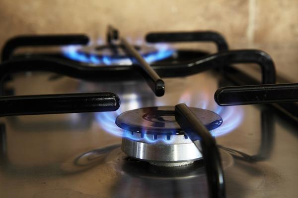 Если использовать газовую плиту для обогрева, отравиться угарным газом вполне реально