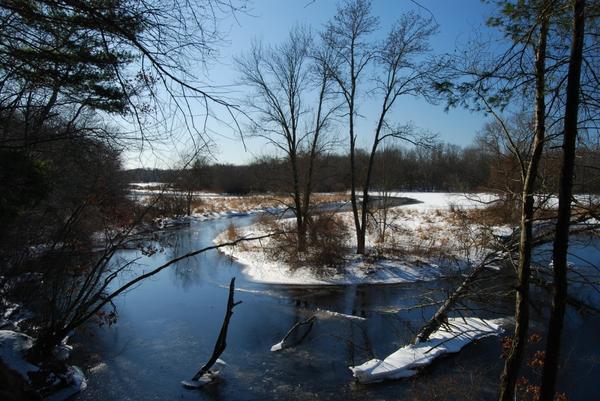 Если во время таяния снегов вода в реках не прибывает, лето будет жарким
