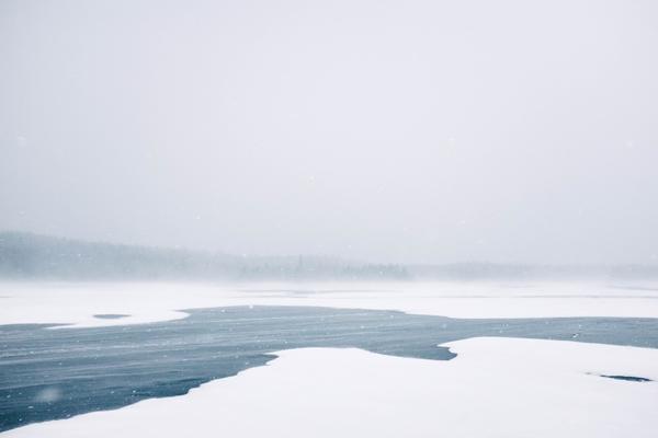 Реки уже покрываются льдом