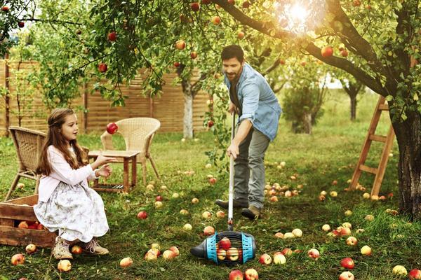 Плодосборник GARDENA поможет легко собрать урожай