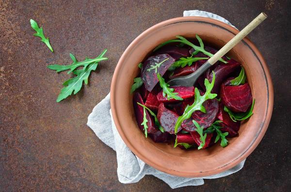 Свекольный салат минералами богат