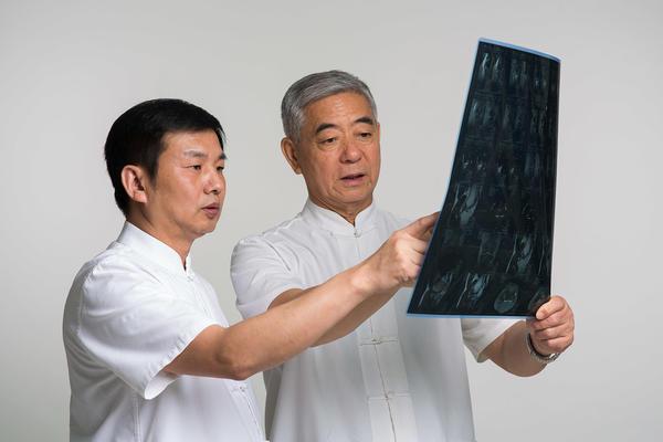 Китайские врачи владеют различными методами диагностики