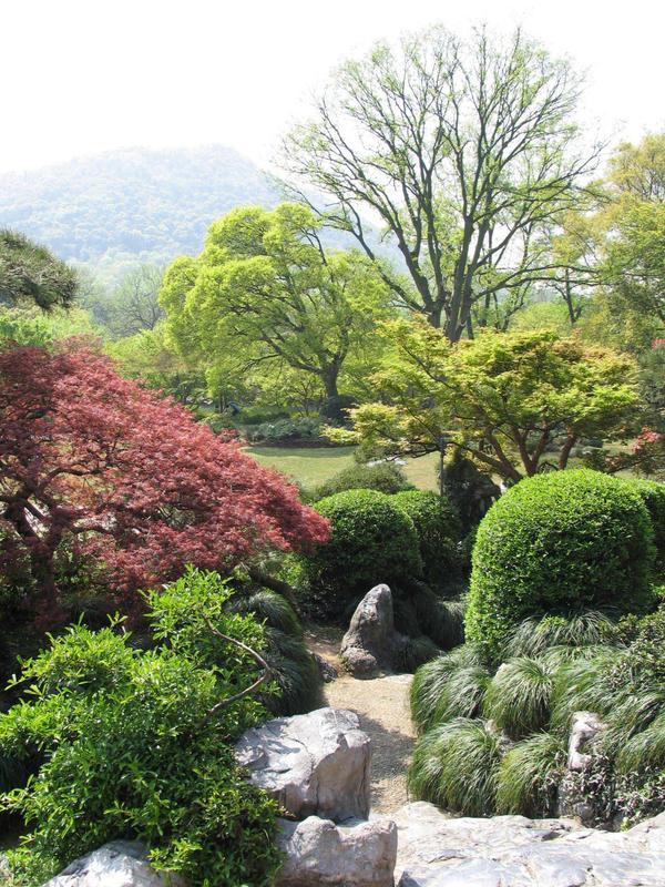 Китайский сад - это сочетание традиций и индивидуального стиля