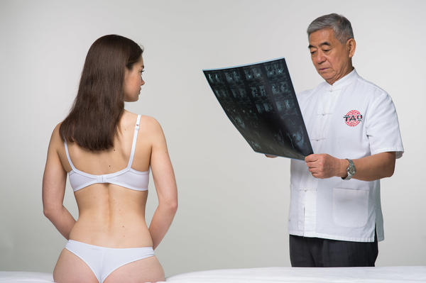 Китайские врачи используют и древние методики, и возможности современных медицинских технологий