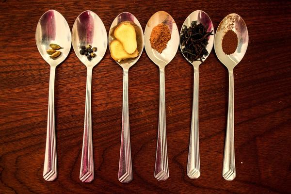 Взбодриться поможет пряный чай