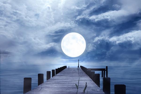 Люди давно заметили взаимосвязь между различными явлениями природы и положением Луны