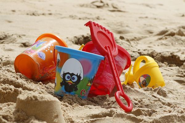 Игры с песком необходимы для развития малыша