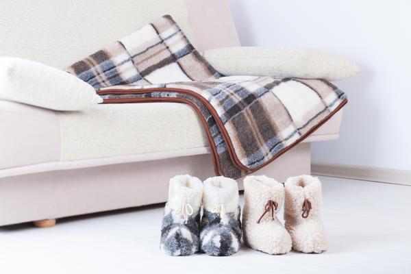 Популярная обувка - домашние сапожки, вязаные или меховые