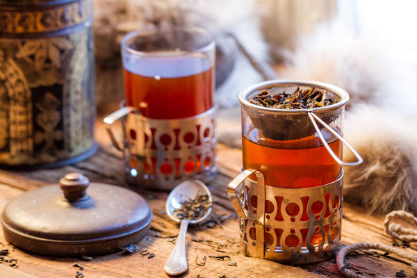 Чашка горячего чая - простой, проверенный и приятный способ согреться в холода