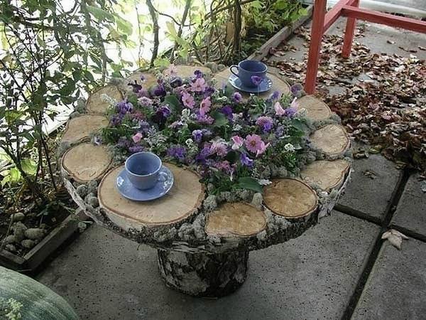 Столик из древесных спилов. Фото с сайта pinterest.com