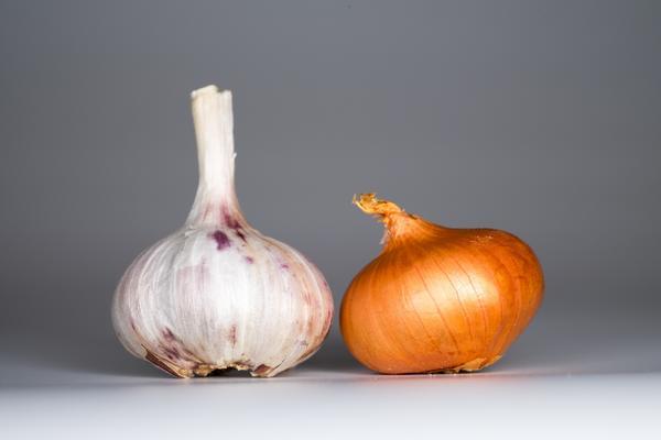 Лук и чеснок помогут в борьбе с грибком кожи