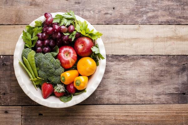Даже если фрукты и овощи кажутся нам чистыми, они могут стать причиной инфекции