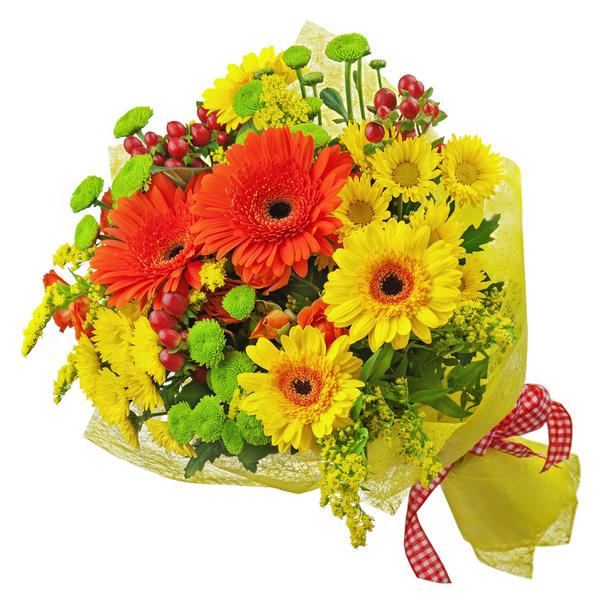 Яркий букет из хризантем с герберами