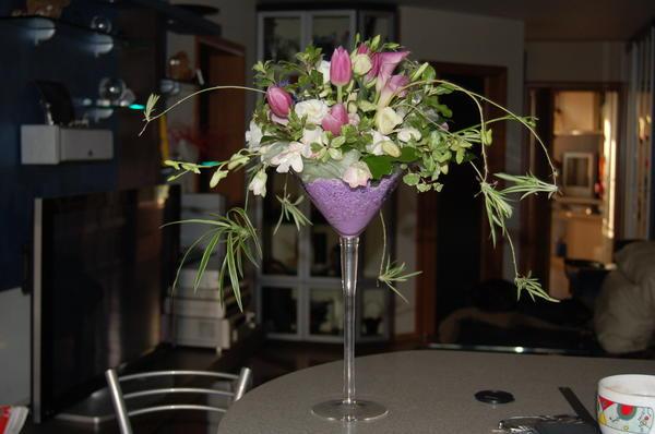 Важно, чтобы цветочная композиция не мешала гостям
