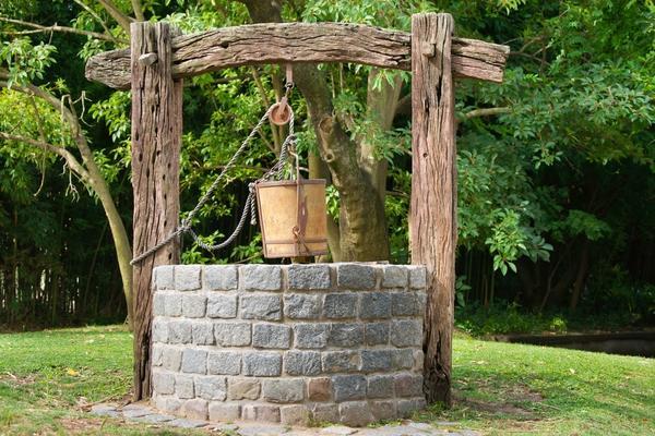 Каменный колодец - для тех, кто строит на века