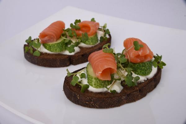 Бутерброды с микрозеленью - вкусно, просто, полезно