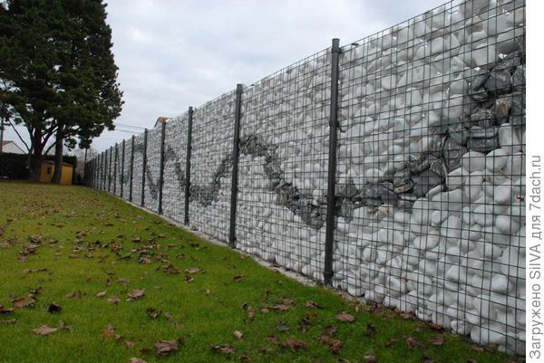 красивый забор из габиона