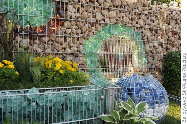 стеклянный забор с другой стороны