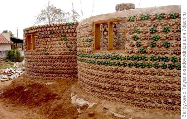 сооружения из пластиковых бутылок, фото с сайта besedka5.ru