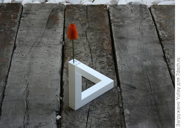 ваза - геометрическая иллюзия