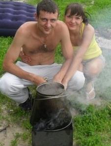 Катюша загорает на даче)