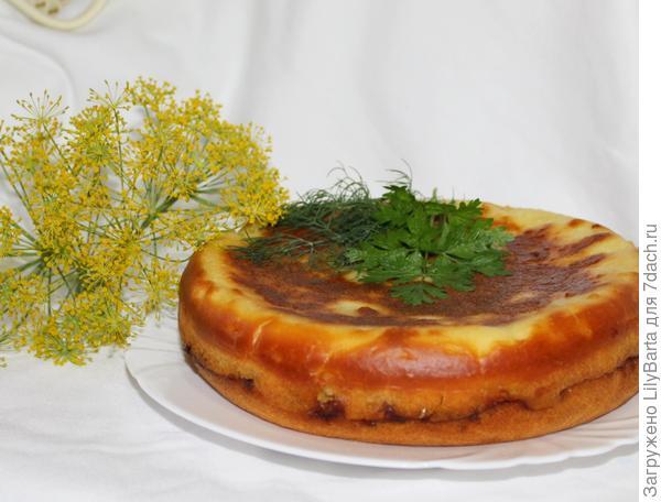 рыбный пирог, приготовленный в мультиварке