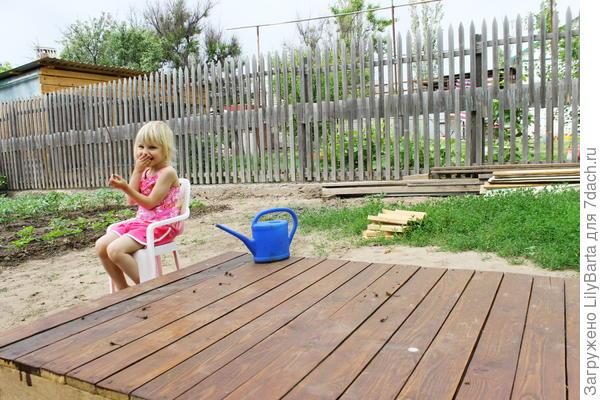 зона обустройства для детского домика