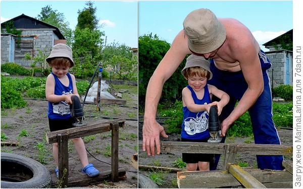 Лобзик -тоже техника нужная на даче!Дима с папой весело распиливают старую лестницу на дрова для бани!!!Опилки летят в разные стороны!