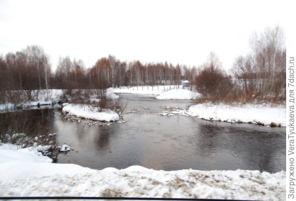 Протока в селе.