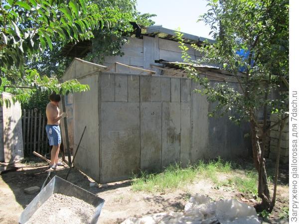 Установлены стены и фермы