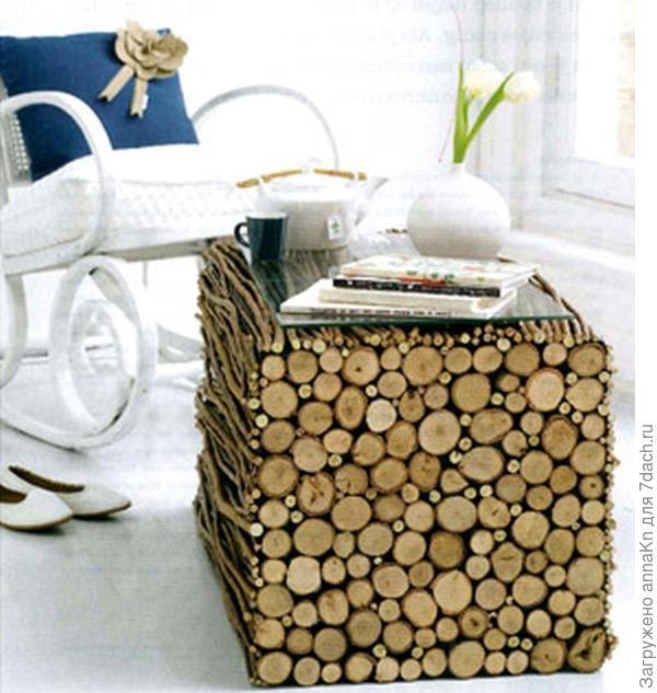 Журнальный столик из бревен