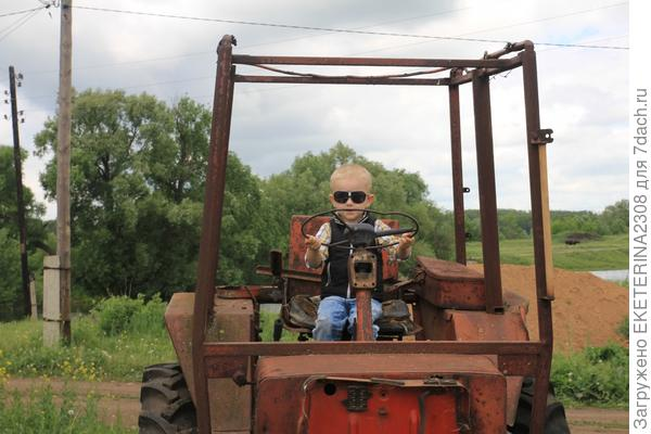 юный тракторист