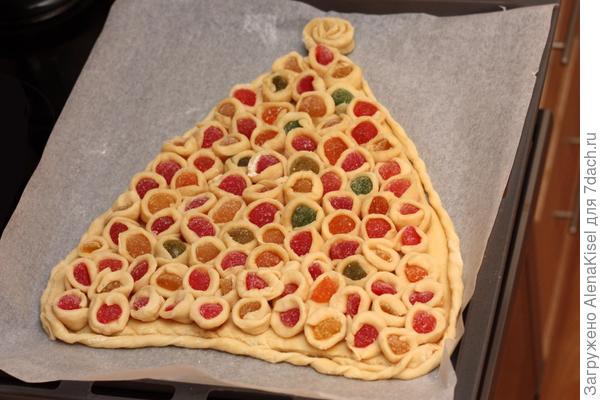 пирог перед отправкой в духовку