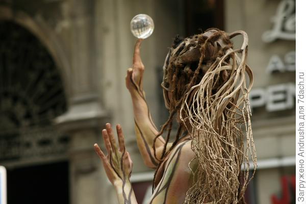 Уличный актер – живая скульптура 4