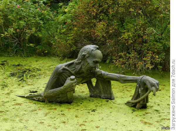 Скульптура на болоте в Ирландии. Фото с сайта cs5.pikabu.ru