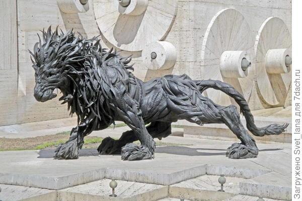 скульптура из шин