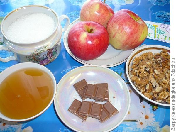 Печеные яблоки с мёдом о орехами