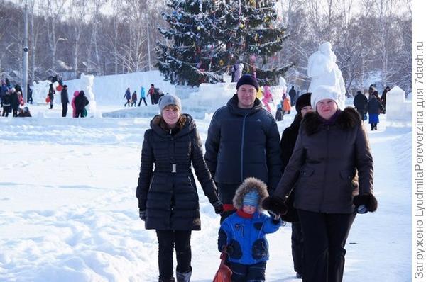 Новогодняя елка и мы!