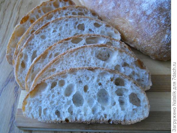 Хлеб на закваске из пшеничной муки.