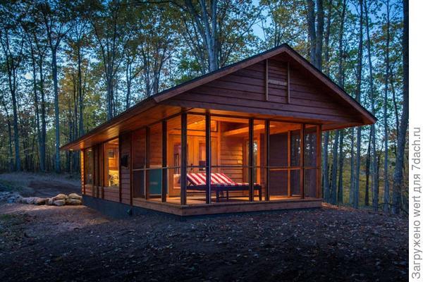 Загородный дом в лесу в США