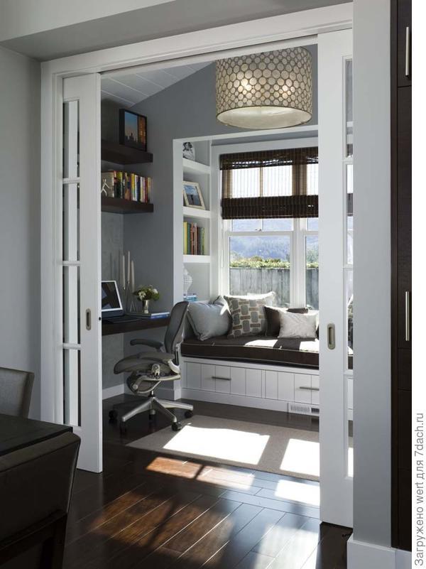 Читальный уголок на подоконнике, библиотека, декор и дизайн интерьера